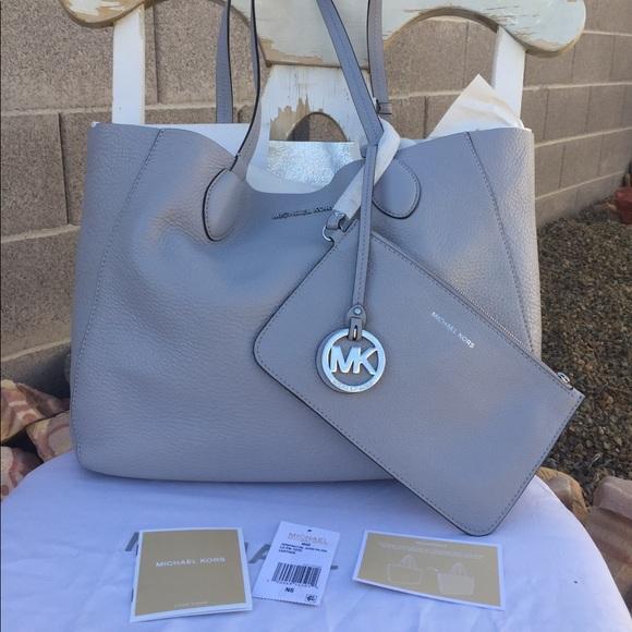 87542cdb4288 Michael Kors Bags | Mae Reversible Tote | Poshmark